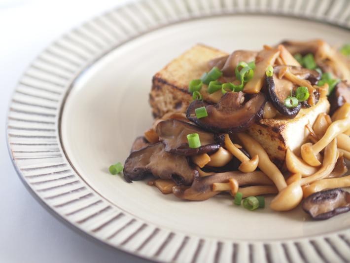 豆腐ステーキのきのこソースのせ