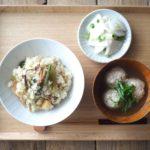 鶏団子汁と山菜おこわ