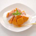 柿とヨーグルトクリームのデザート